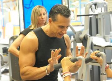 Enrico Dell'olio allenando clienti